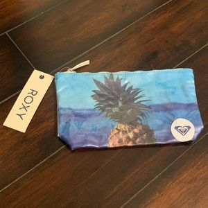NWT roxy pineapple dream bikini bag